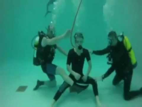 Nina Dobrev Zach Roerig and Paul Wesley training on the set under water 3x22 photos and