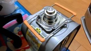 アラジンの石油ファンヒーター、AKFL424NW5を買いました。灯油タンクの...