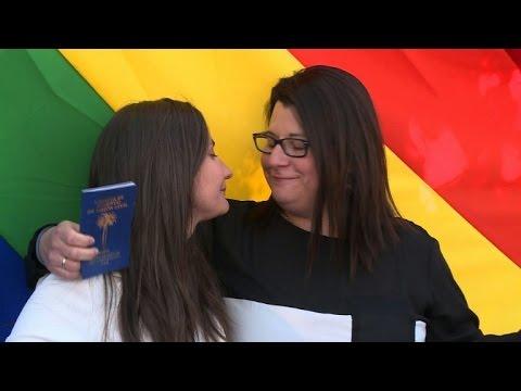 Chile celebrates first same-sex civil union