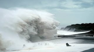 Japanese tsunami - the strongest super storm in the world