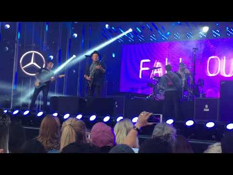 Fall Out Boy (Jimmy Kimmel Live) Uma Thurman