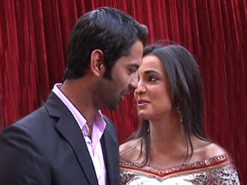 Arnav TOUCHES Khushi's LIPS in Iss Pyaar Ko Kya Naam Doon 17th April 2012 thumbnail