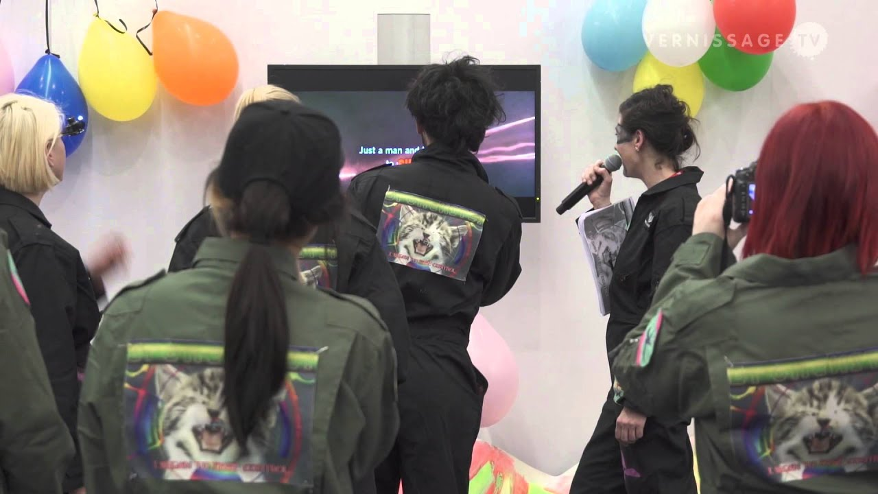 Chicks on Speed: Drone Hits Karaoke at Art Cologne 2015