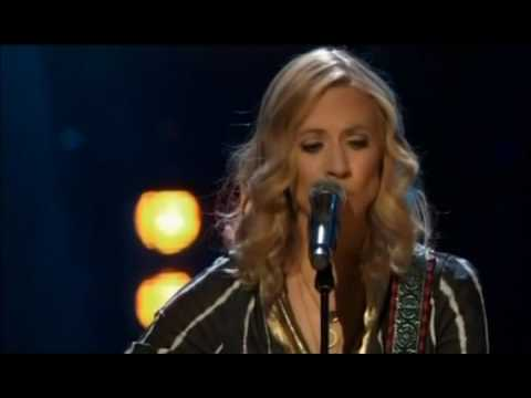 Sheryl Crow  -  New kid in town  [ 2016 Rock and roll hall of fame ].