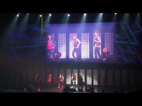 110610 SMTOWN in Paris - SHINee Ring Ding Dong