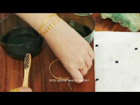 how-to:-clean-your-alex-and-ani-jewelry-|-alex-and-ani