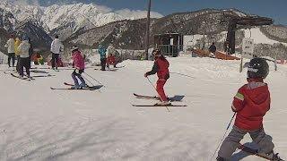 【鹿島槍スキー場】一本ブナダウンヒルでありえない突っ込みを見せる小学1年生【衝撃映像】