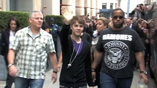Justin Bieber at the Sers Hotel in Paris with many fans