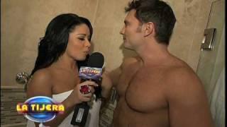 Carolina Se Bañó Con Julián Gil