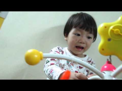 Cathy 2 tuổi hát Đoàn tàu nhỏ xíu