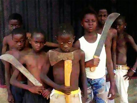 """Ces enfants """"microbes"""" qui sèment la terreur à Abidjan... thumbnail"""