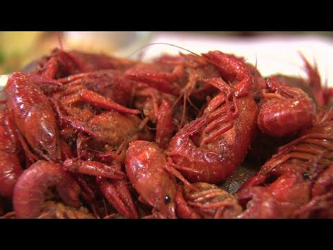 Crawfish Season In Full Swing At Local Seafood Restaurant