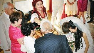 Українське весілля: обряд зустрічі молодят