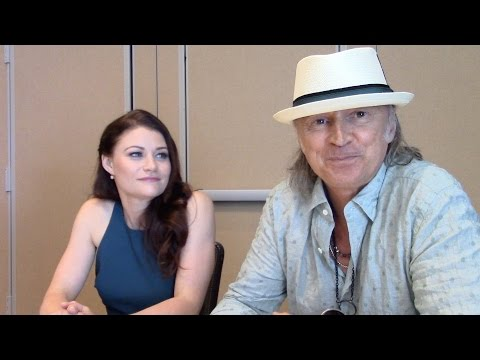 Emilie de Ravin & Robert Carlyle   Once Upon a Time Season 5
