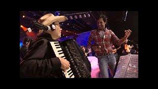 Guilherme & Santiago Apenas Bons Amigos [DVD Tudo Tem Um Porquê] (Clipe Oficial)