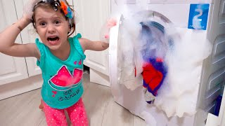 Eve pretend play with toy washing machine. New funny stories about mom