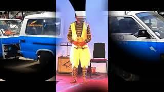 Bewketu Seyoum ከሚኒባሱ ጣራ ስር Keminibasu Tara Sir   Ethiopian Comedy   YouTube