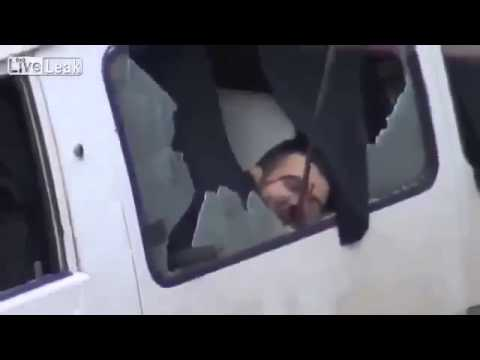 18+ Syrian rebels ambush and kills 2 Syrian soldiers inside car