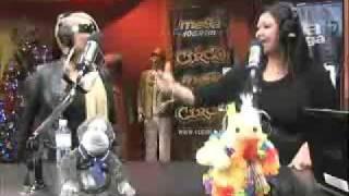 Tiraera en El Trovaton: Ivy Queen VS Victoria Sanabria en El Circo de La Megas