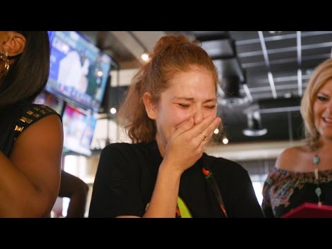 FOX5 Surprise Squad - Waitress Gets $12,000 Tip!