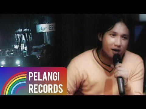 Pop - Caffeine - Hidupku Kan Damaikan Hatimu (Acoustic Version) |  (Official Music Video)