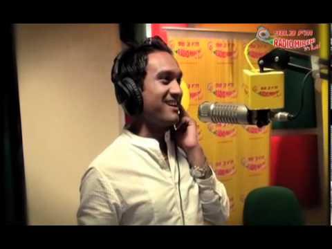 Master Saleem jams in Radio Mirchi Studios!