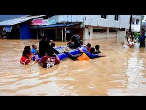 Breaking News Floods Landside Kill 13 In Indonesia 2 Missing