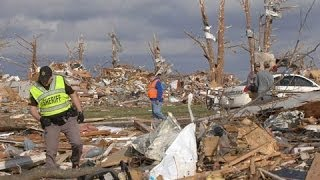 Tornadoes wreak havoc in US midwest