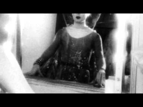 Klaus Nomi - Wasting My Time (Subtitulado al Español) mp3