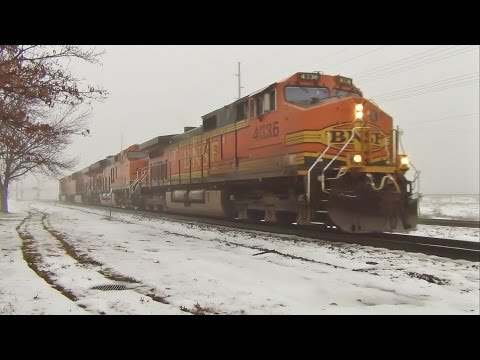 BNSF Dash 9 Leads Light Power Move featuring New Tier 4 Unit - Ottumwa, IA 1/8/16