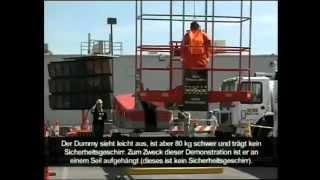 IPAF.org - CONEXPO 2008: Nur Dummköpfe tragen kein Sicherheitsgeschirr auf Auslegerarbeitsbühnen