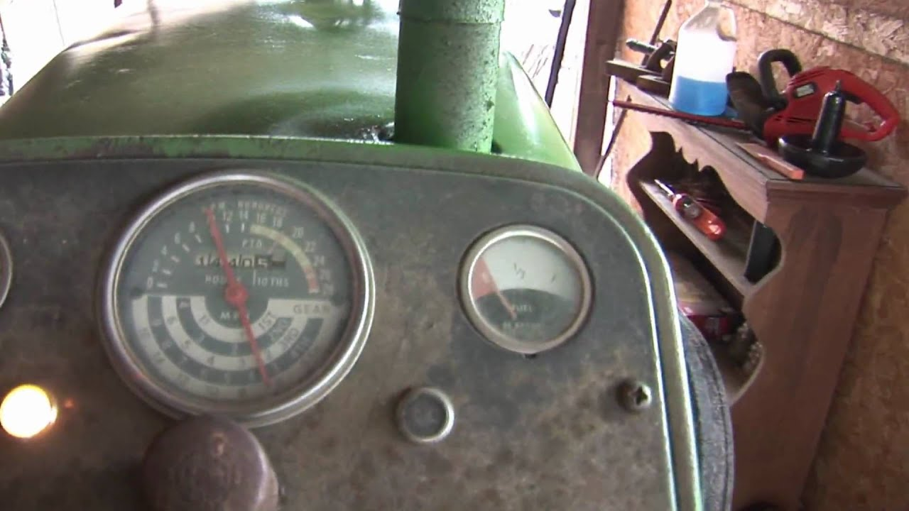 1010 John Deere Dash Light : Starting a john deere ru tractor youtube
