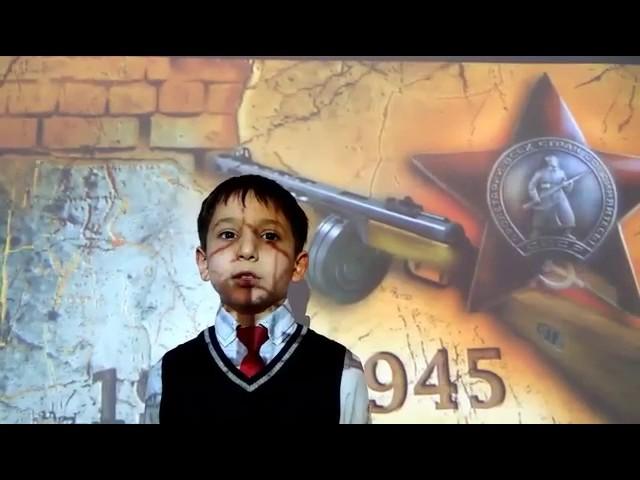 Изображение предпросмотра прочтения – ГригорийМанандян читает произведение «Возьмём винтовки новые» В.В.Маяковского
