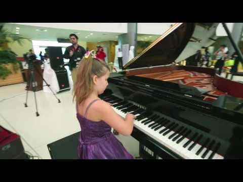Scarlatti Sorbonne, Angelina 9 ans
