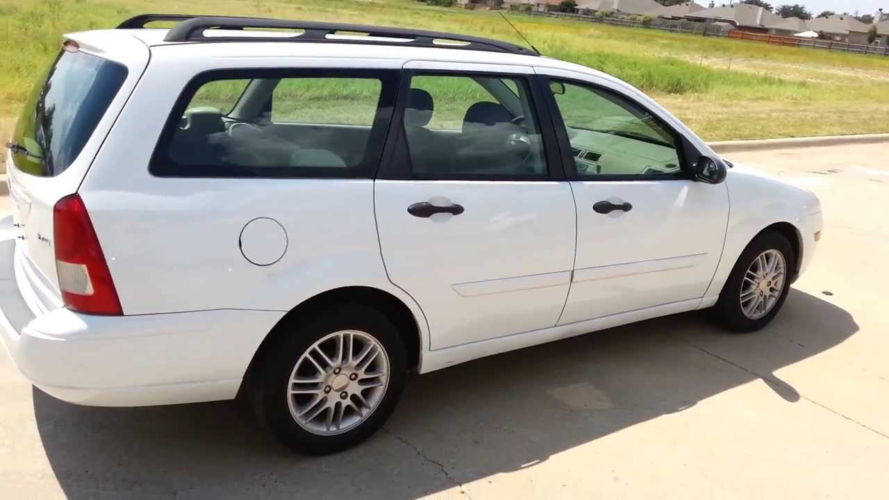 for sale 3 998 for 2005 ford focus wagon pwr windows locks 6 disc cd player youtube. Black Bedroom Furniture Sets. Home Design Ideas