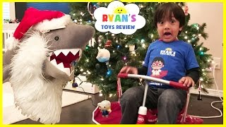 Repeat youtube video Bad Santa Pet Shark Attack! Magic transform into Christmas Present! Kid Prank Toy Shark eat Snack