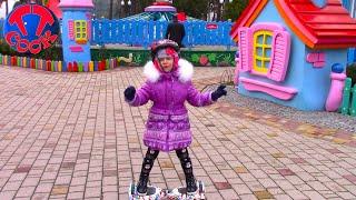 ВЛОГ Учимся кататься на ГИРОСКУТЕРЕ в парке! В гостях у Деда Мороза Видео для детей