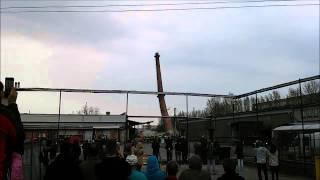Wyburzanie komina przy zakładach Nestle - Rzeszów, 16.04.2015