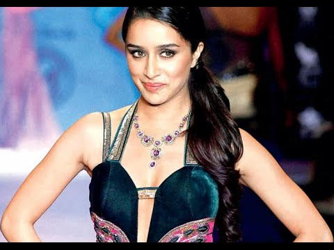 Shraddha Kapoor At 14th Glamour 2015 Jewellery Exhibition Inauguration