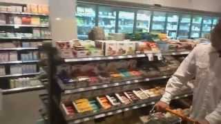 Zéér bescheiden man mag één minuut gratis winkelen | Zaandam