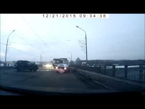 Авария на кузнецком мосту 21-12-2015. Новокузнецк