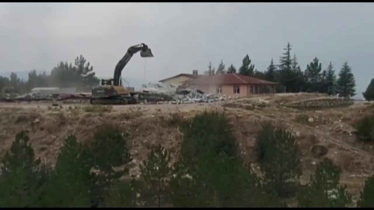 Karaman'da işçi enkaz altında kaldı