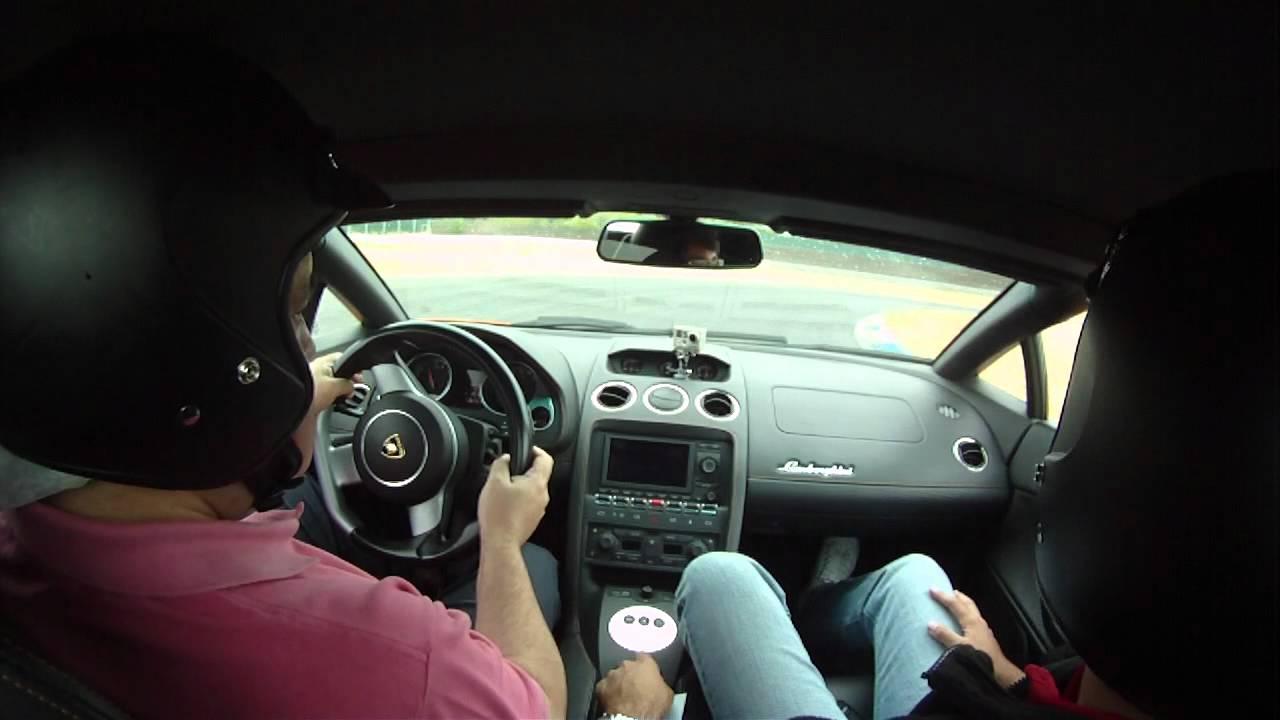 Jes 250 S En Un Lamborghini Gallardo Dentro Del Coche 3 09 2011 Youtube