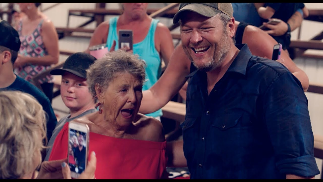 "Blake Shelton — ""Hell Right (ft. Trace Adkins)"" [Music Video Behind The Scenes]"