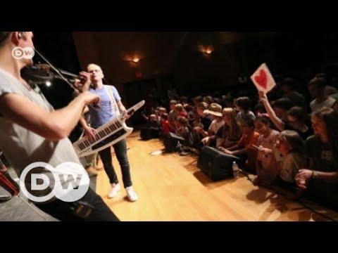 EinsHoch6 - Rapper als Sprachbotschafter | DW Deutsch
