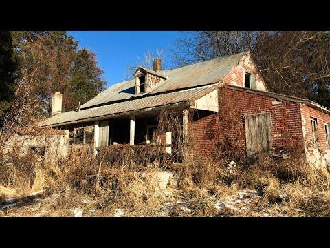 Abandoned HOUSE Found COINS & Strange Old CAR/ Vehicle left behind