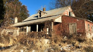Abandoned HOUSE Found COINS & Strange Old CAR/ Vehicle left behind