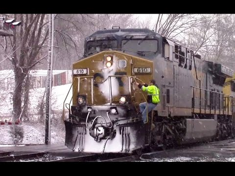 CSX 610 Stops in Snow for Conductor to Board