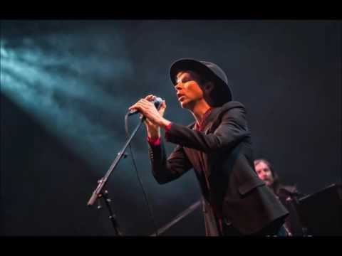 Beck - Rasperry Beret (Prince cover) HD audio