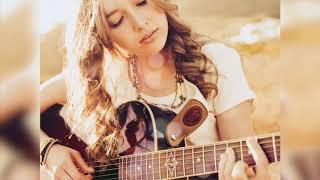 ♔ ДОНА ♔ Девушка поет под гитару!